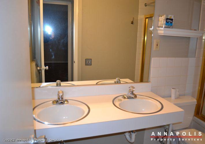 794f-fairview-ave-bathroom-1a-1327517928-id219