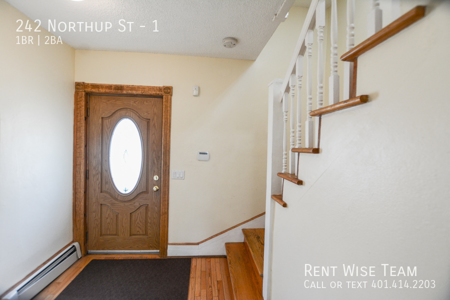 Apartment for Rent in Cranston