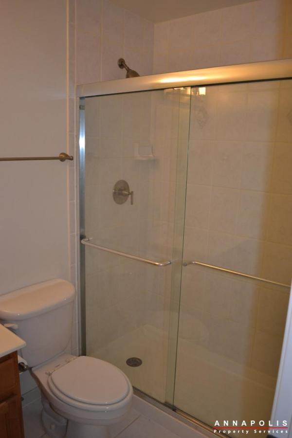 1227-gemini-drive--k--id478-master-shower