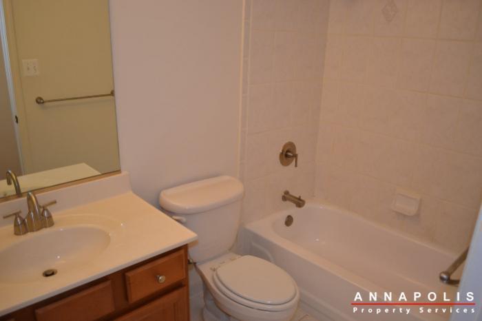 1227-gemini-drive--k--id478-bathroom-a