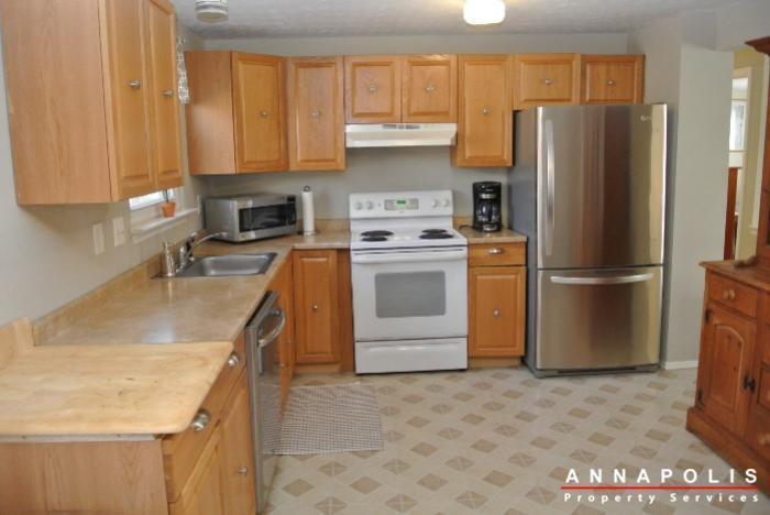1426-regent-street--id598-kitchen-a