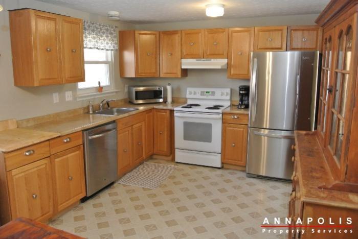 1426-regent-street--id598-kitchen-b