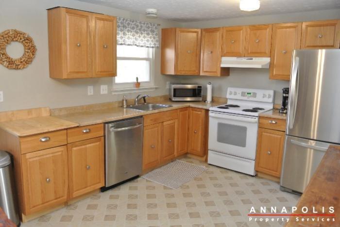 1426-regent-street--id598-kitchen-c