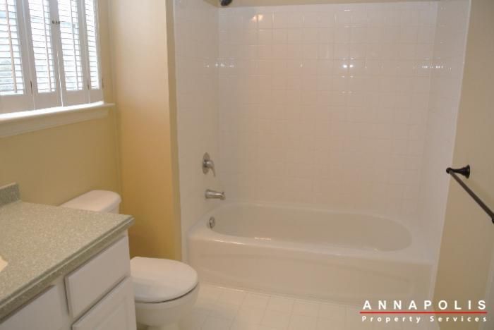 805-latchmere-court--id600-master-bath-a