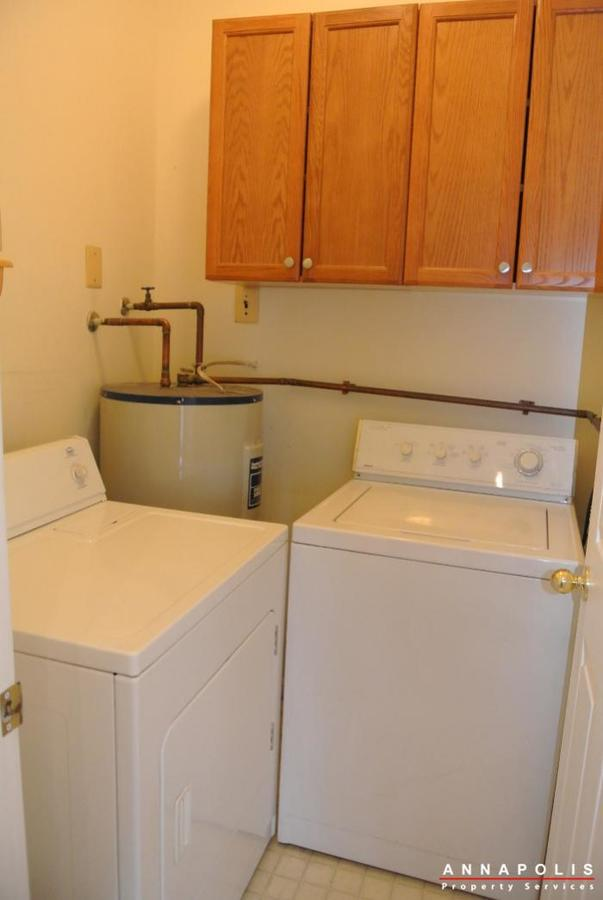 608-rolling-hill-walk--101-id621-washer-and-dryer