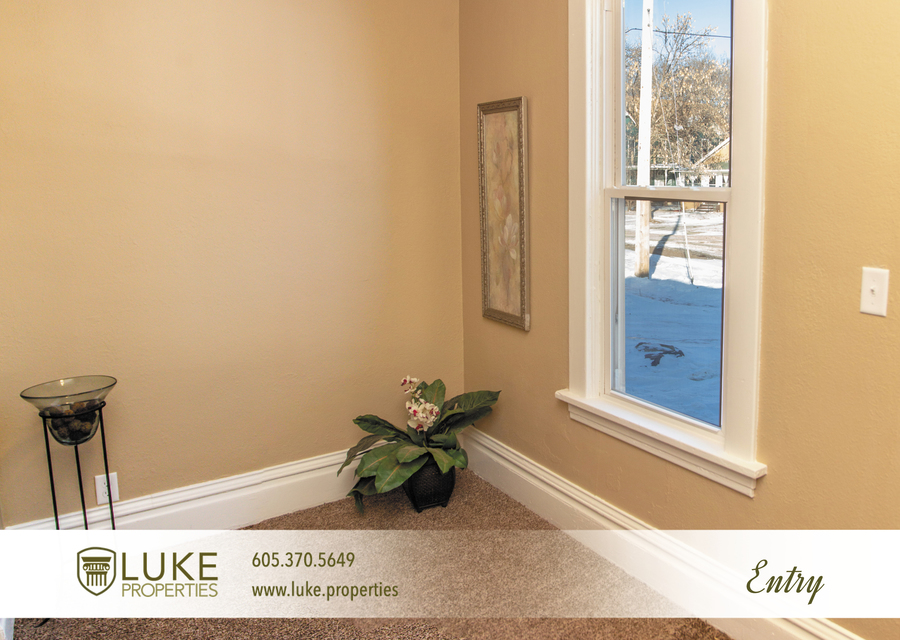 Luke-properties-803-s-main-ave-sioux-falls-sd-57104-house-for-rent-entry