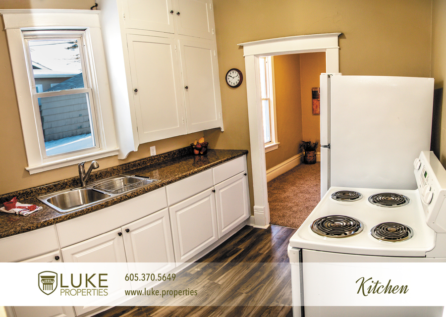 Luke-properties-803-s-main-ave-sioux-falls-sd-57104-house-for-rent-kitchen