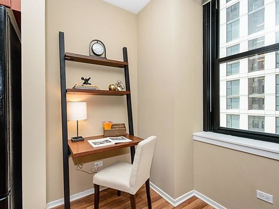 Century_tower_apartments_for_rent_in_the_loop_-_hardwood_flooring