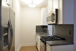 226-e-70th-st-unit-6c-new-york-ny-building-photo