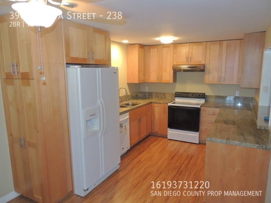 Kitchen_full_view
