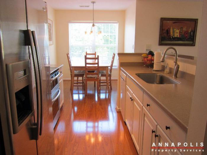 2016-gov-thomas-bladen-way-204-id652-kitchen-a