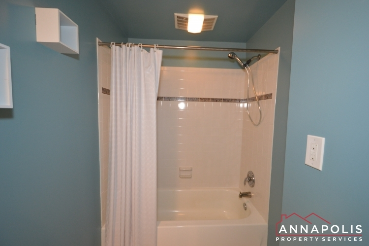 1066-broadview-drive-id997-bathroom-2a(1)