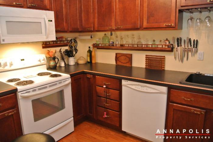 206-e-victor-parkway-id650-kitchen-d