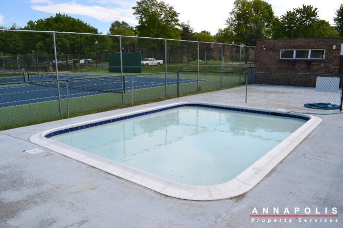 206-e-victor-parkway-id650-kids-pool