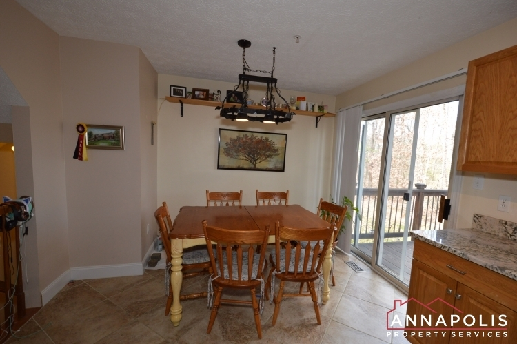 8606-pine-meadows-drive-id1000-dining-a(4)