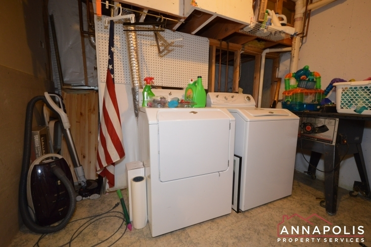8606-pine-meadows-drive-id1000-washer-and-dryer