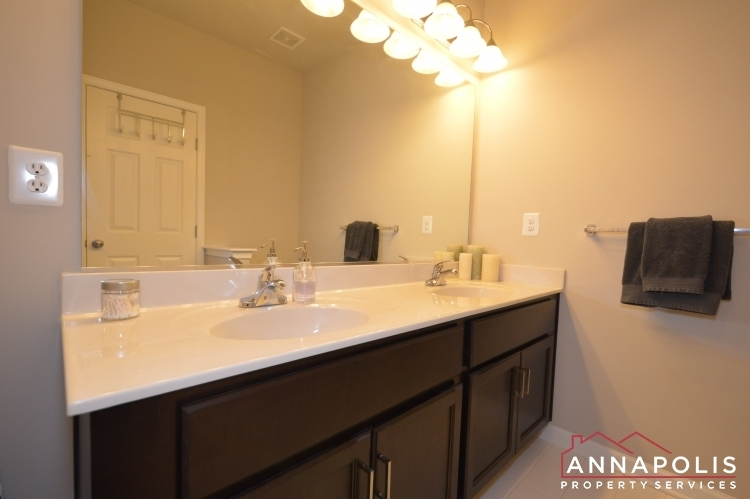 529-leftwich-lane-id1005-main-bath-vanity-b