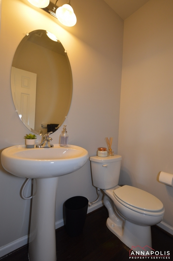 529-leftwich-lane-id1005-powder-room-v2