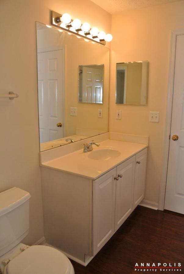 653-burtons-cove-way-7-id657-bathroom-2c