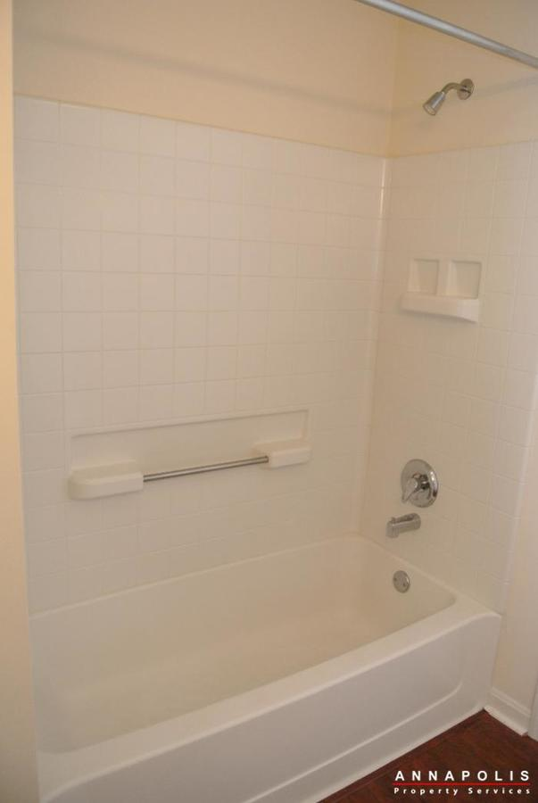 653-burtons-cove-way-7-id657-bathroom-2b