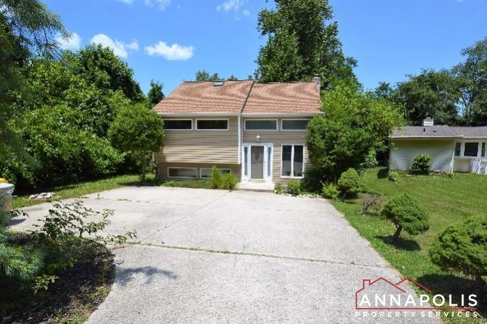 1060-broadview-drive-id134-front-bn