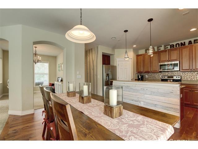 10924 dining kitchen 2