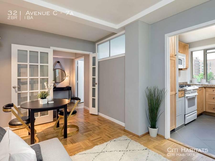 St-classic-livingroom-02-wide_%281%29