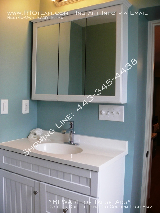 6-bathroom_cabinet_with_mirror