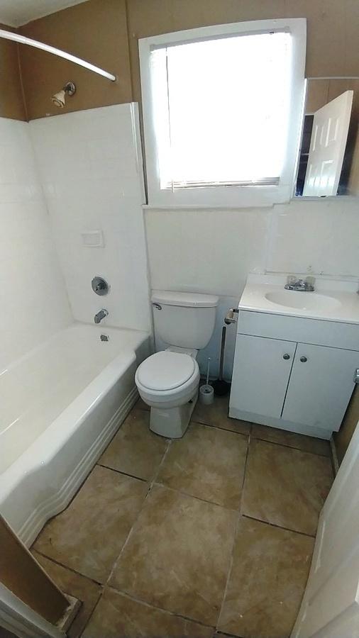 Bathroom02