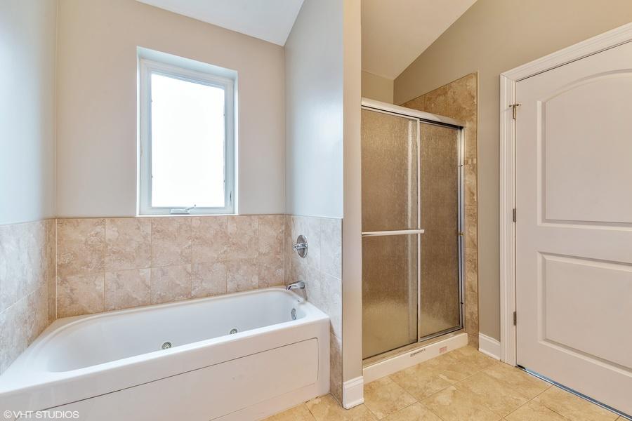 07_3922wehrmanave_168_masterbathroom_hires