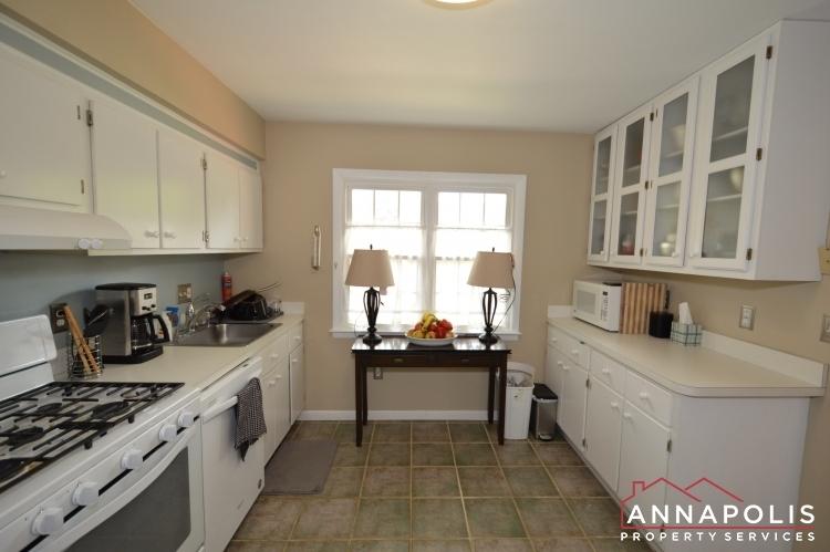 90-dewey-drive-id1013-kitchen-c(3)