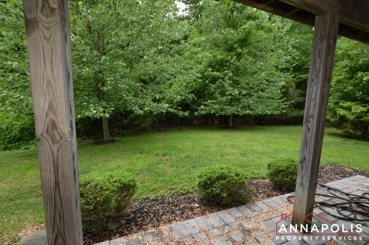 2517-black-oak-way-id1018-back-patio
