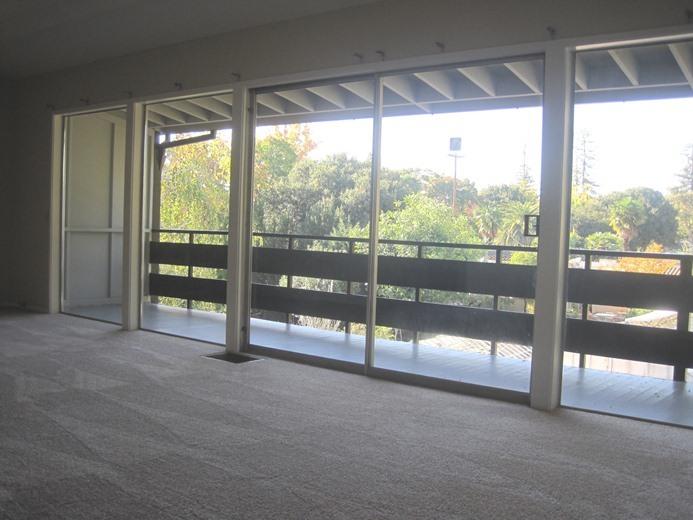 Ad1_balcony