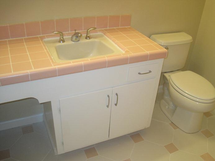 Ad7_bathroom2