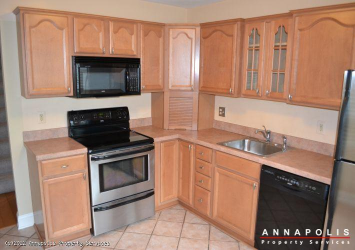 906-windwhisper-lane-kitchen-a-1343311034-id289