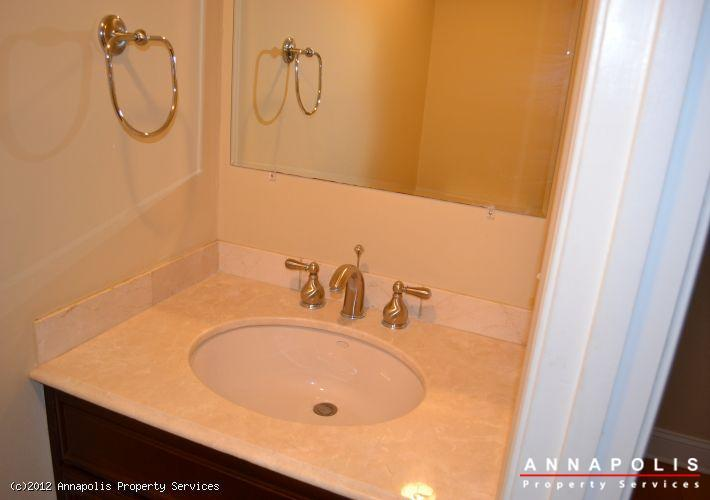 906-windwhisper-lane-half-bath-1343311035-id289