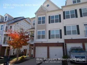 Condo for Rent in Woodbridge