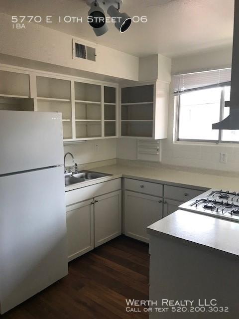 5770__27_kitchen