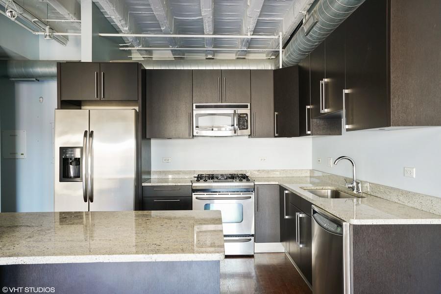 04_1927nmilwaukee_unit303_5_kitchen_hires