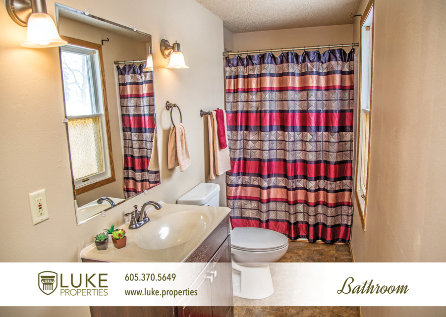 Luke properties 1424 e 4th st sioux falls sd 57103 house for rent 5
