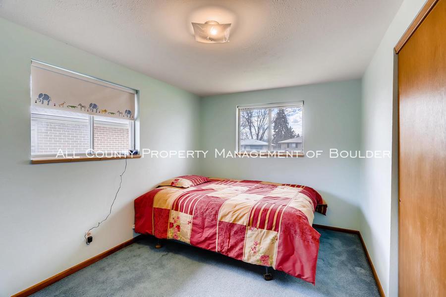 1242_sumner_st_longmont_co-large-023-18-bedroom-1500x998-72dpi