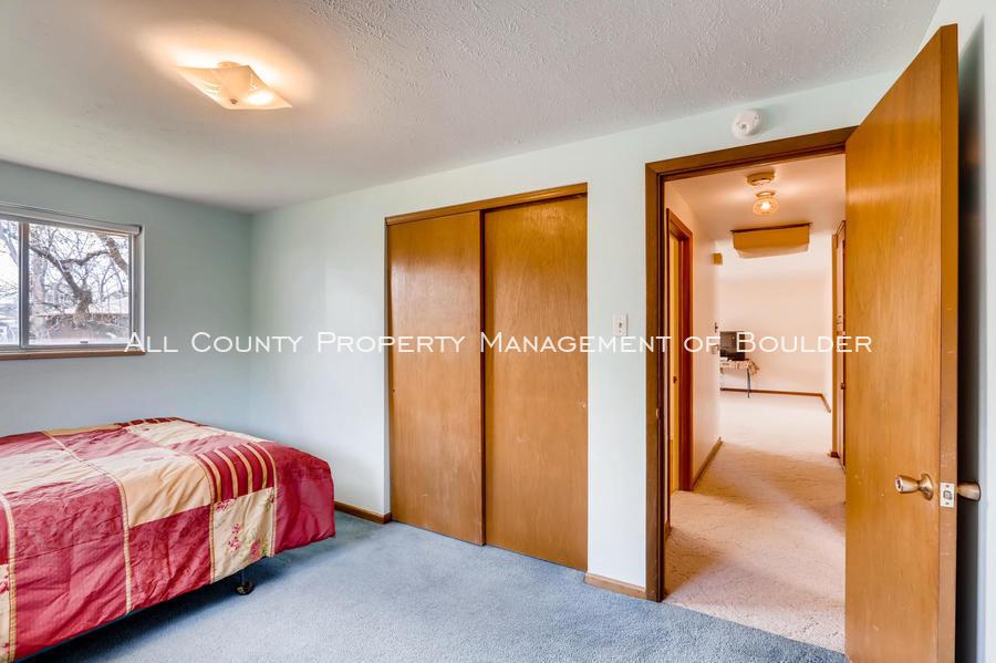 1242_sumner_st_longmont_co-large-025-25-bedroom-1500x998-72dpi
