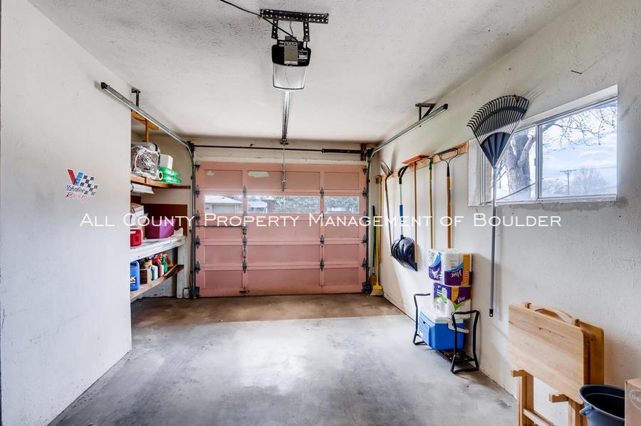 1242_sumner_st_longmont_co-large-032-22-garage-1500x998-72dpi