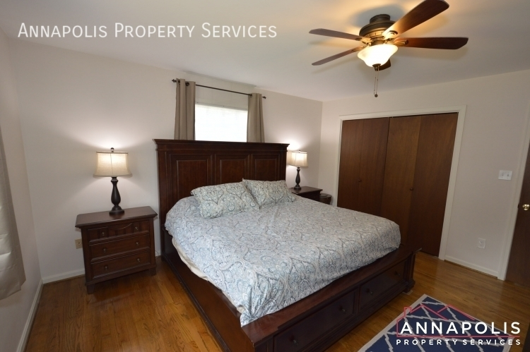 106 giddings ave id1030 master bed a%283%29