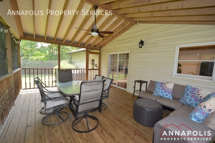 106 giddings ave id1030 screened in porch b