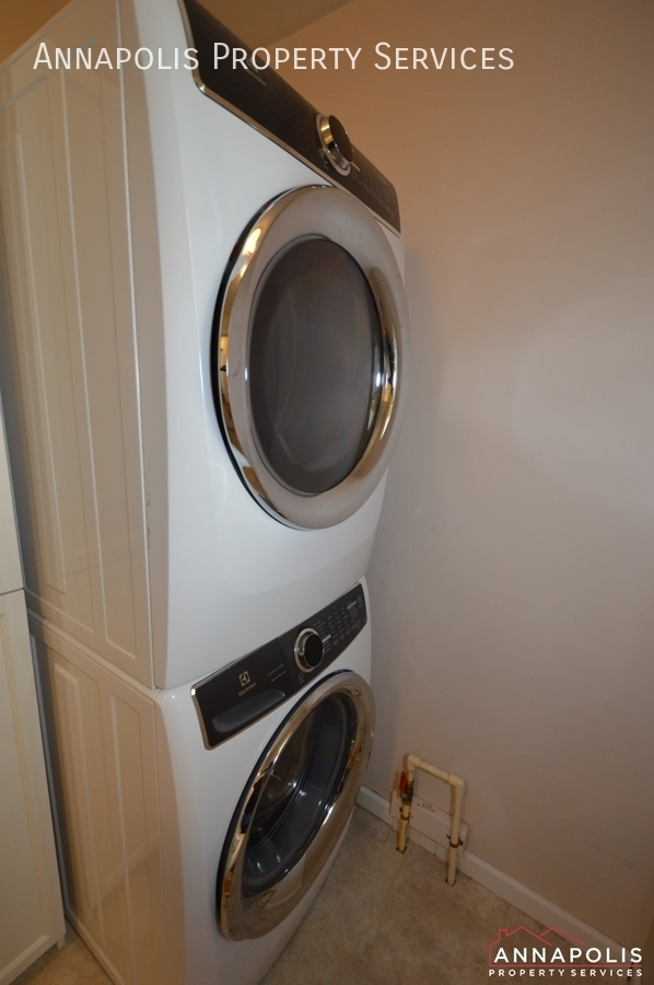106 giddings ave id1030 washer and dryer v