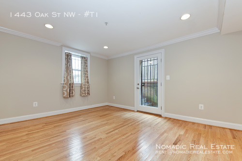 1443 oak st nw t1 master bed.2
