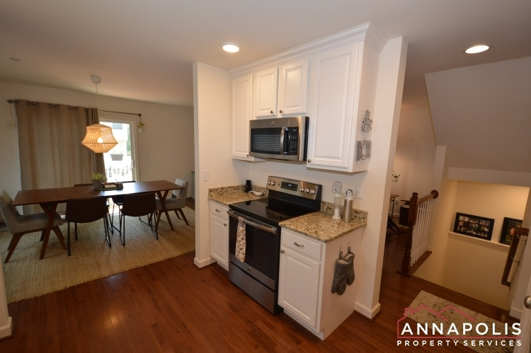 537-kenmore-rd-id1032-kitchen-d