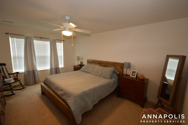 537-kenmore-rd-id1032-master-bed-a(3)