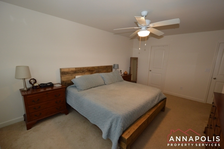 537-kenmore-rd-id1032-master-bed-b(3)